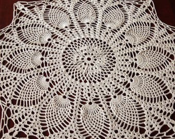 "18"" Off-white Pineapple Doily, Beautiful!"
