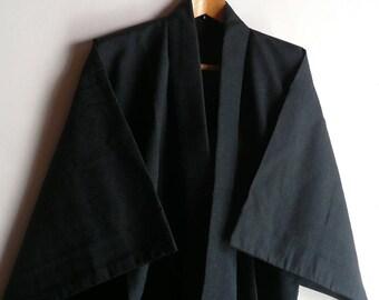 Men's kimono - silk - Japanese vintage - navy blue - textured - WhatsForPudding #2294