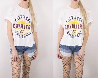 Vintage Cleveland Cavaliers Basketball Cropped T Shirt / NBA Pro Lebron Sports Short Sleeve Crop Top Graphic Retro Tee T-shirt T Shirt -S33