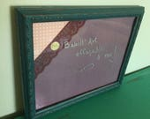 Élégant tableau d'affichage babillard pour écrire sur vitre effaçable à sec main avec cadre récupéré organisation communication cuisine
