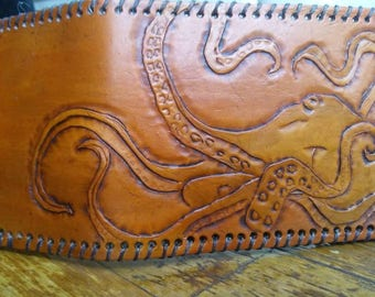 Octopus hand made leather wallet