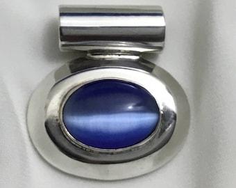 Vintage Sterling large blue cats eye pendant