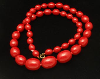 Red Necklace Beads in Graduating Sizes Vintage