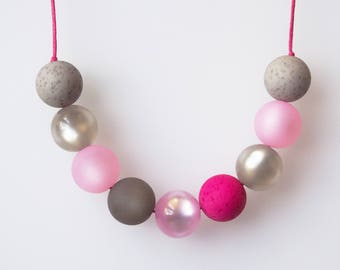rose grey necklace with big pearls statement polaris necklace rose magenta