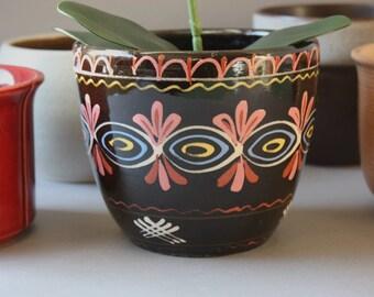 Blumentopf Boho Boheme, Vintage Übertopf Keramik, Hippie Keramiktopf braun, Übertopf, Retro Überpott, Blumenpott, Geschenk Mann Frau Sie