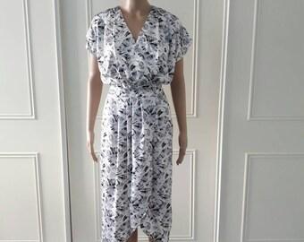 SALE Vintage floral dress 1980's vintage dress 80's crossover dress 80's midi dress vintage silver dress mid length dress size 10