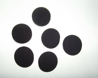 12 buttons 28mm in diameter, covered with black fabric, 3mm thick
