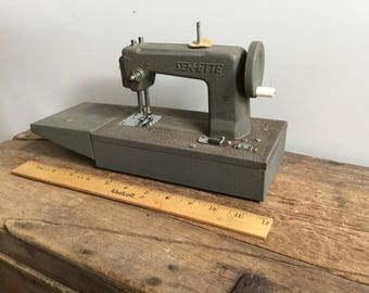 Vintage Sew ette Toy Sewing Machine Gray Crinkle Cut Finish Sewette