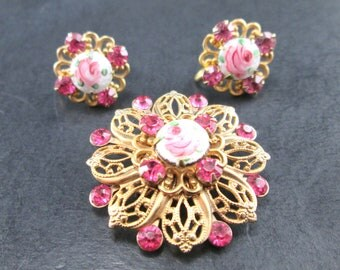 Vintage 50s Pink Rhinestone Gold Tn & Pink Rose Brooch / Pin and Screw Back Earrings Set Mid Century
