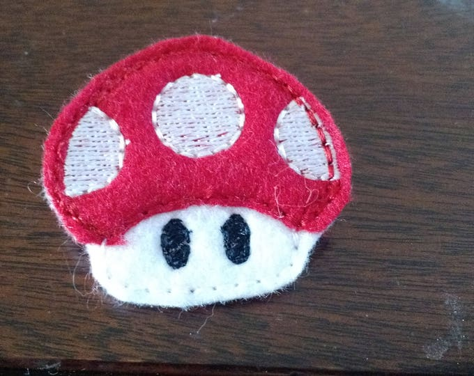 Felt Embroidered Pin - Mario - Mushroom