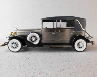 Collectible Waco 1928 Lincoln Model L Convertible AM Radio, Working Transistor Radio, Battery Operated, Made in Japan, Waco Car Radio