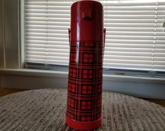 Aladdin's Pump a Drink Thermos Red Plaid pattern 1 Quart P150 coffee, Lodge Camping Decor for cabin, man cave decoration, vacuum bottle