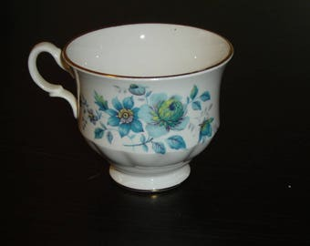 Queen Anne 8500 blue floral scalloped cup VGU