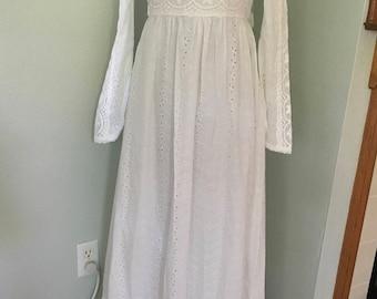 Vintage White Gunne Sax Dress, eyelet wedding Dress, Boho Prairie Dress, 1970's White Festival Dress, Spring Dress, Prom Dress