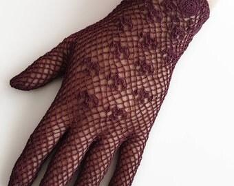 1940's Style Crochet Gloves in Burgundy