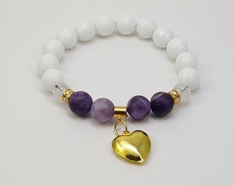 Handmade beaded bracelet with white agates, snow quartz and frosted amethyst all natural stones