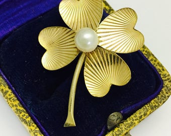 Vintage Winard  12K Gold Filled Four Leaf Clover Pin Brooch with Pearl