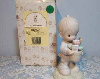 1990 Precious Moments Figurine For a Special Mum 521965