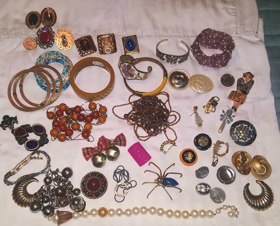 Destash jewelry. Parts, sets, pieces.