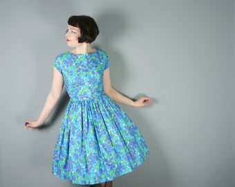 50s blue COTTON day dress in abstract print - full skirt and nipped waist Mid Century day dress - S