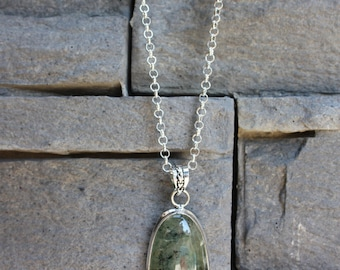 Necklace Prehnite pendant
