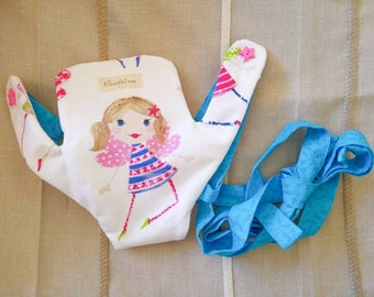 Doll carrier - Cloth accessory for kids to carry their dolls - Kids gift idea