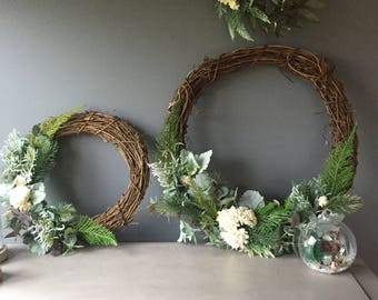 Christmas wreaths, white xmas wreath, vine assymetricsl wreaths, modern country wreath, simple wreath. Natural wreath.