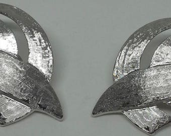 Vintage Monet 1960's silver plated clip on earrings