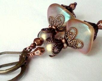 Iridescent Honey Earrings, Handmade Earrings, Pale Golden Dangles, Oval Cube Earrings, Gold Matt Pearl Earrings, Vintage Style, Filigree