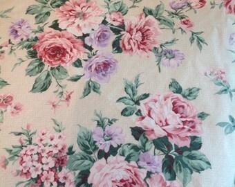 Stunning sheet set...flat sheet with matching pillowcase....Thomaston...beautiful, bold pattern.....twin