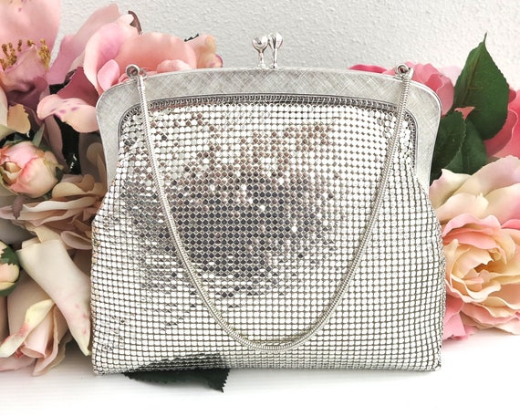 Oroton silver mesh purse with textured silver frame, silver snake chain handle, kiss lock, silver satin lining, 1970s