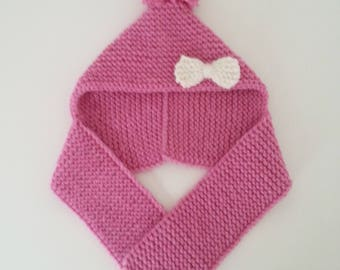 Hat(Cap) gashes for born babies in 24 pink woolen hand-knitted months with pompom and small ornamental knot