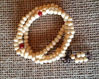 Sandalwood 8mm 108 Buddhist  mala prayer bracelet white