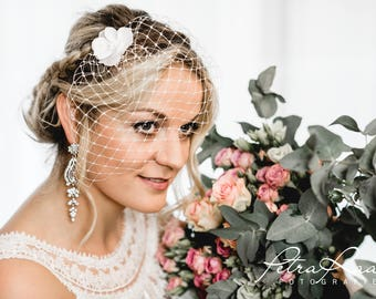 N6 bridal Veil, wedding hairstyles, Bohos, bridal hairstyles, hair jewellery, comb, bridal headpieces, Fascination, vintage, ivory