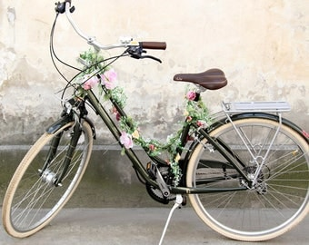 Garland for a bicycle