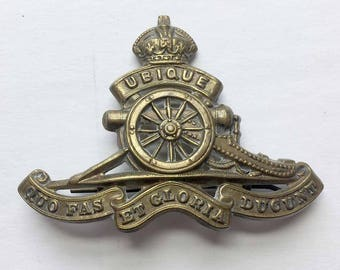 WWII Royal Canadian Artillery Hat Badge