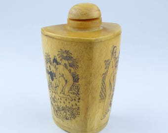 Vintage Chinese carved Snuff bottle with erotic scenes