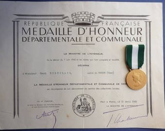 French Medal Of Honour Of The Department & Commune With Award Certificate. Issued To The Mayor Of Croisy 1960.