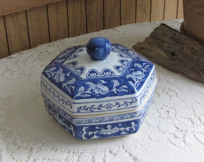 Vintage Blue and White Ceramic Lidded Box Octagon Chinoiserie Trinket Boxes