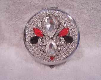 Jeweled Compact Mirror. Bridesmaid Gift, Shower Gift, Mothers Day Gift, Birthday or Holiday Gift.