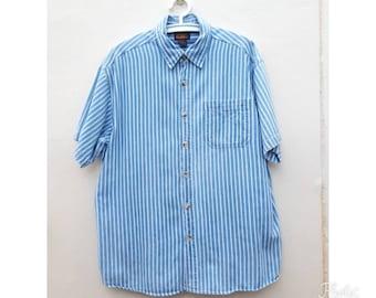 Mens Vintage Faded Glory Denim strip shirt. Mens  short-sleeve classic Size XL.