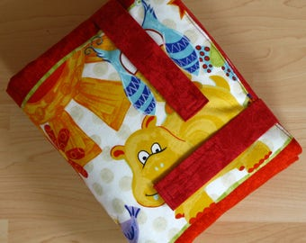 Changing pad to go, Hippos/Owls