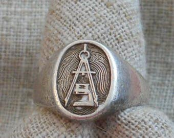 Vintage sterling silver men's Masonic ring