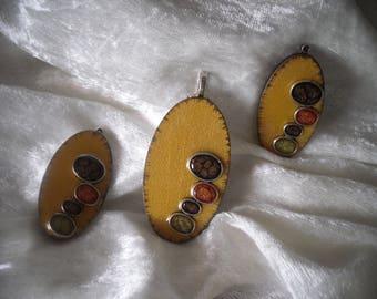 wooden pendants, handmade, fall colors, creating set