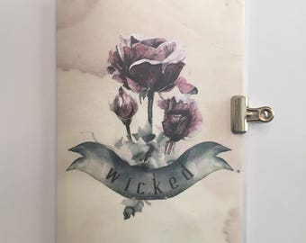 """Gothic Halloween - """"Wicked"""" Roses - Travelers Notebook Laminated Dashboard - B6 size"""
