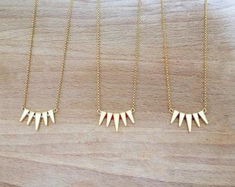 Triangle fan and beads gold plated necklace
