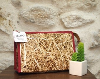 Straw toiletry bag in oilcloth
