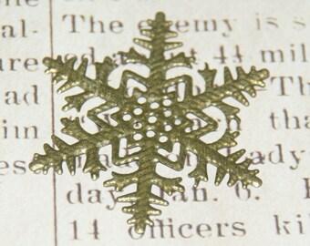 2 appliques / estampes flocon de neige en métal couleur bronze 45mm