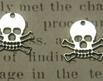 Silver skull charms 2 hollowed 18 x 17, 2mm
