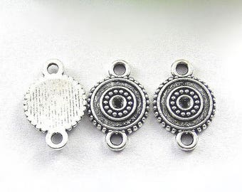2 round 19x13mm silver plated metal connectors